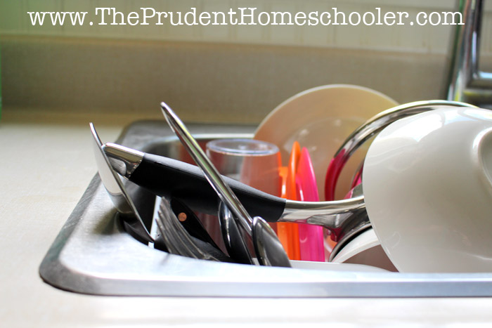 Do you ever have that terrible feeling where your home feels so disorganized that you cannot breathe? I definitely do, and then it leads to frustration in homeschooling, laziness in accomplishing other tasks, and an overall feeling of overwhelm! Follow these 5 Easy Tips to conquer the chaos and finally enjoy some peace at home. | The Prudent Homeschooler